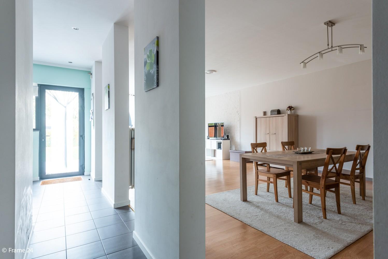 Zeer ruim en instapklaar gelijkvloers appartement met tuin en garage te Wijnegem! afbeelding 5