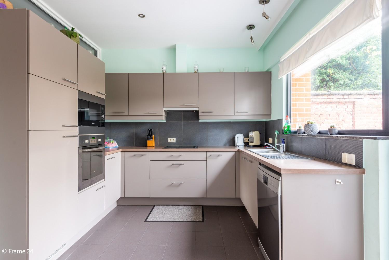 Zeer ruim en instapklaar gelijkvloers appartement met tuin en garage te Wijnegem! afbeelding 7