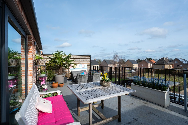 Prachtig, ruim dakappartement met groot, zonnig terras in Broechem afbeelding 11