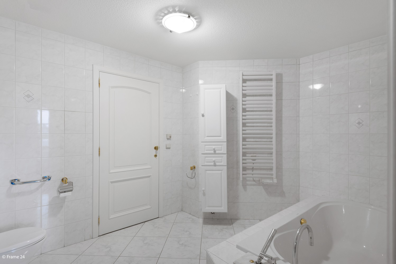Riant appartement (+/- 210 m²) met twee slaapkamers en een prachtig terras te Brasschaat! afbeelding 12