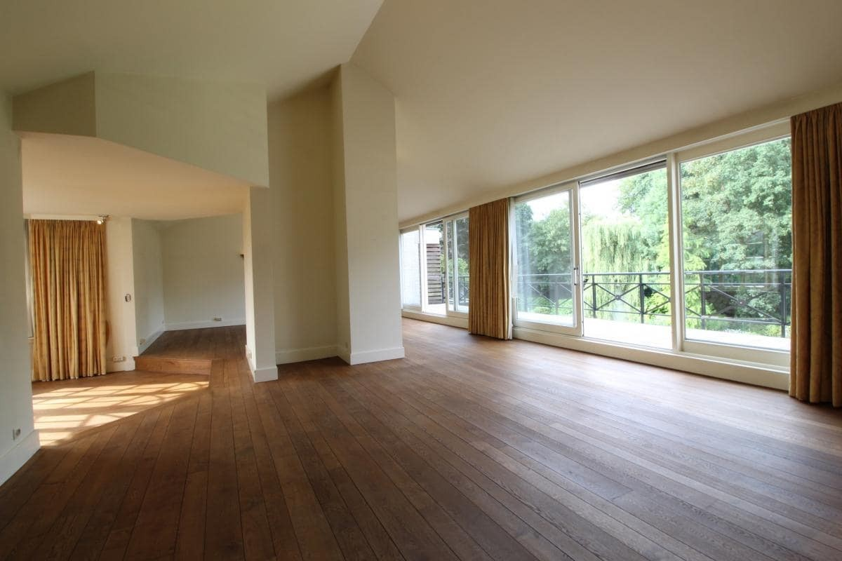 Riant appartement (+/- 210 m²) met twee slaapkamers en een prachtig terras te Brasschaat! afbeelding 3