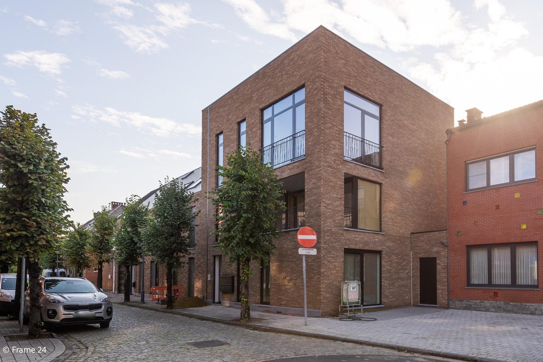 Licht en ruim gelijkvloers nieuwbouwappartement (+/-110 m²) met 3 slaapkamers, ruim zuid-gericht terras alsook parktuin. afbeelding 19