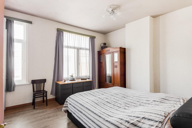 Ruime instapklare woning met 4 slaapkamers en tuin te Deurne. afbeelding 8