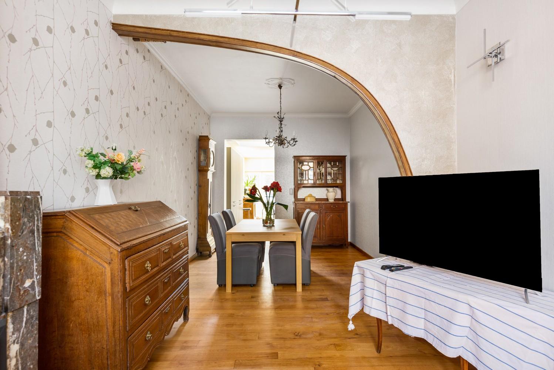 Ruime instapklare woning met 4 slaapkamers en tuin te Deurne. afbeelding 4