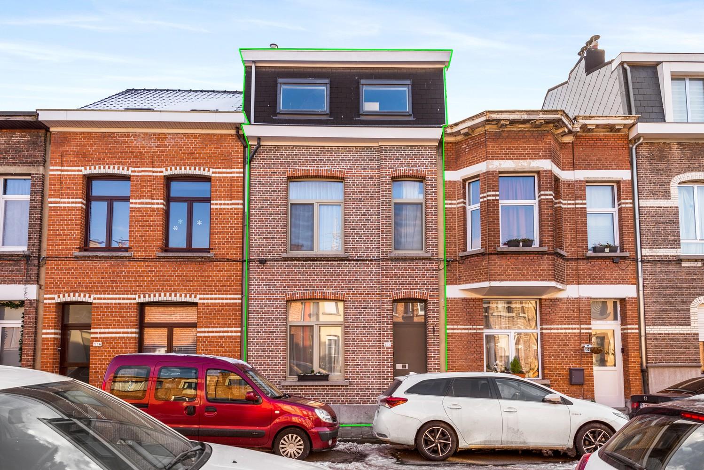 Ruime instapklare woning met 4 slaapkamers en tuin te Deurne. afbeelding 16