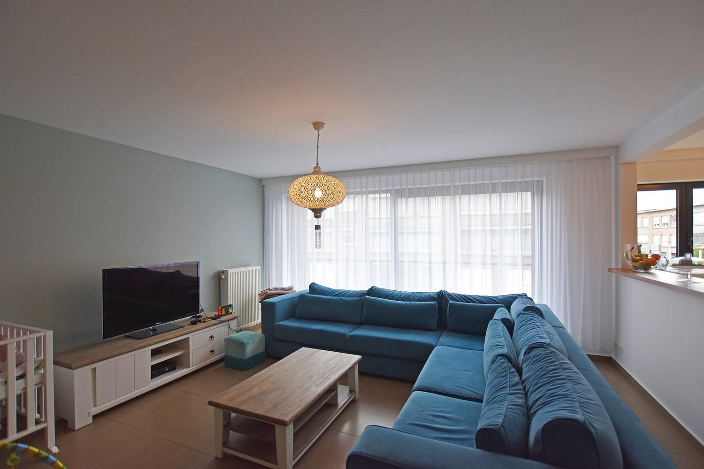 Zeer verzorgd en ruim appartement met 3 slpk en terras op de grens van Deurne-Zuid en Borsbeek! afbeelding 1