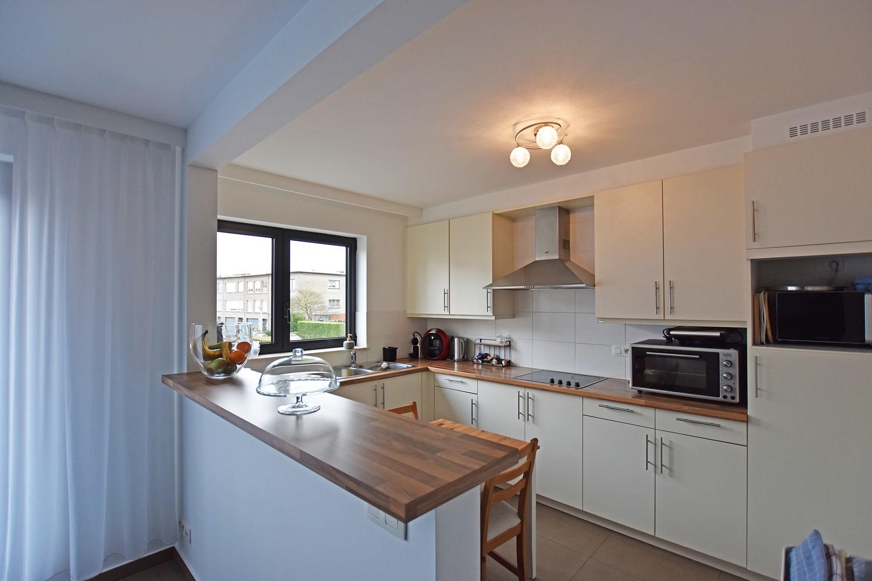 Zeer verzorgd en ruim appartement met 3 slpk en terras op de grens van Deurne-Zuid en Borsbeek! afbeelding 3