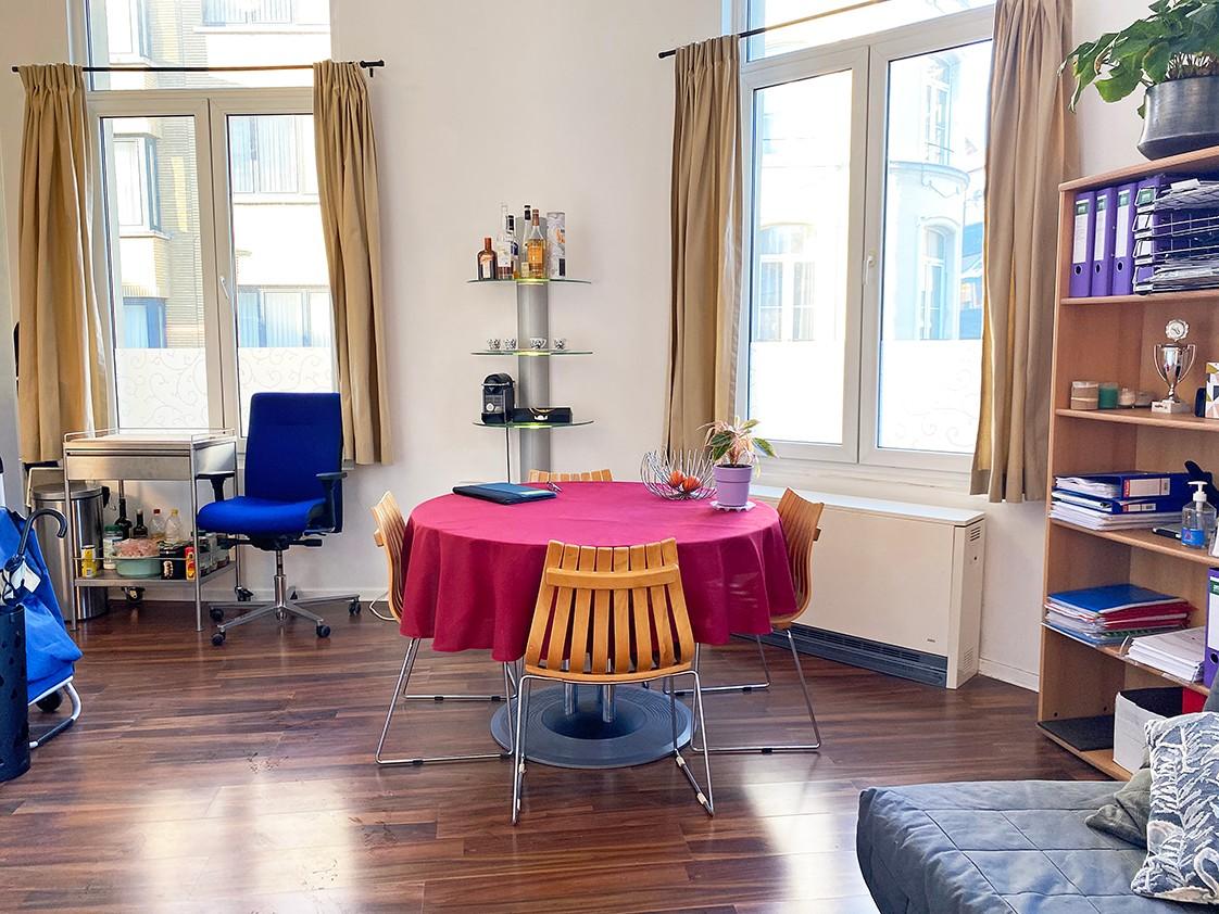 Leuk appartement met veel lichtinval op een toplocatie aan het Falconplein afbeelding 3