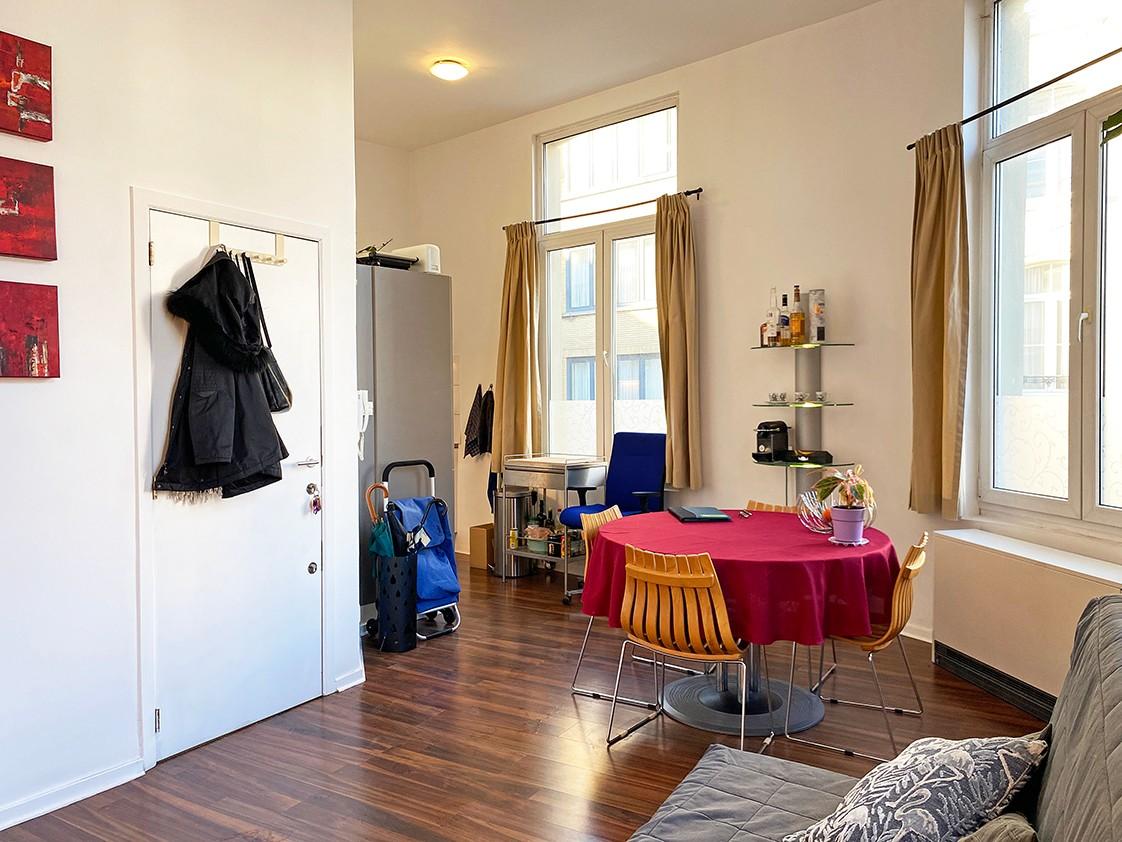 Leuk appartement met veel lichtinval op een toplocatie aan het Falconplein afbeelding 2