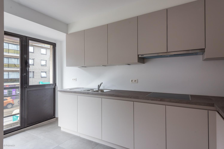 Volledig vernieuwd appartement (+/- 100 m²) met 2 slaapkamers en 2 terrassen te Deurne! afbeelding 4