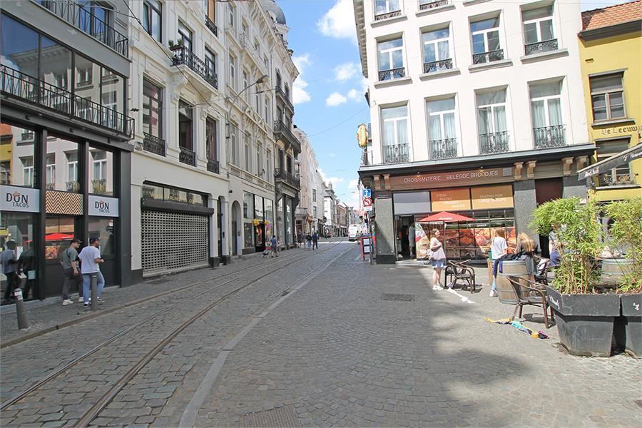 Handelsgelijkvloers op absolute TOPlocatie in het commerciële hart van Antwerpen! afbeelding 7