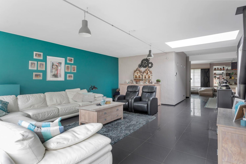 Op te frissen villa met een werkhuis van maar liefst 211,5m² afbeelding 8