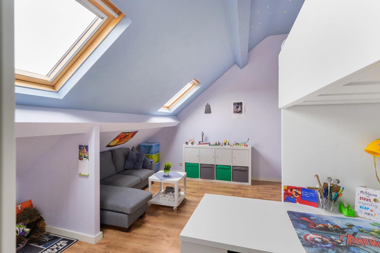 Vernieuwd duplex-appartement met drie slaapkamers op een zeer goede locatie te Wijnegem! afbeelding 14