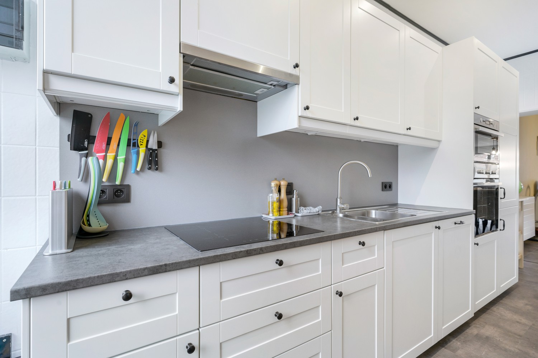 Vernieuwd duplex-appartement met drie slaapkamers op een zeer goede locatie te Wijnegem! afbeelding 6