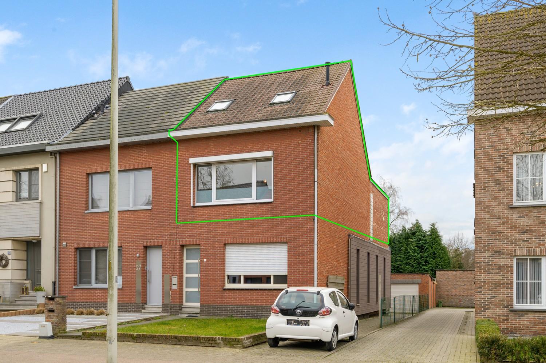 Vernieuwd duplex-appartement met drie slaapkamers op een zeer goede locatie te Wijnegem! afbeelding 15