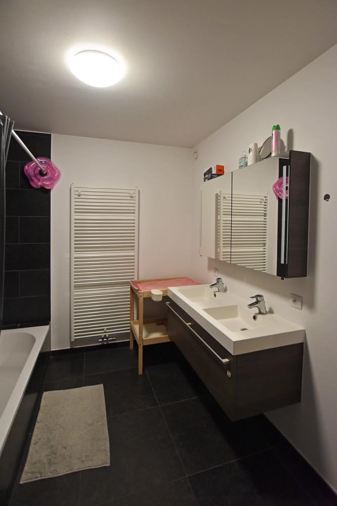 Modern en recent appartement met twee slaapkamers en terras te Wijnegem! afbeelding 8