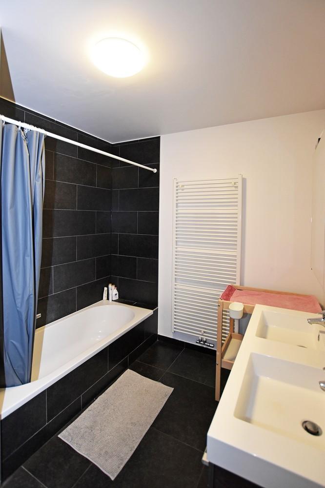 Modern en recent appartement met twee slaapkamers en terras te Wijnegem! afbeelding 9