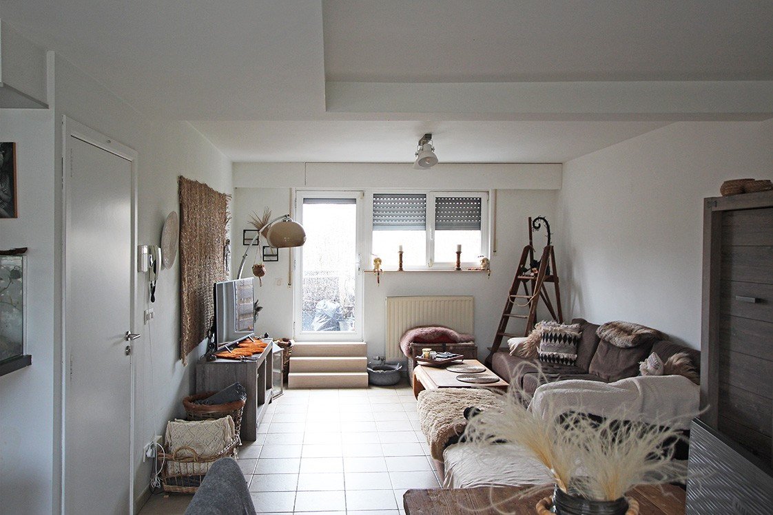 Ruim duplexappartement (111m²) met 3 slaapkamers op uitstekende locatie nabij het centrum van Ranst! afbeelding 2
