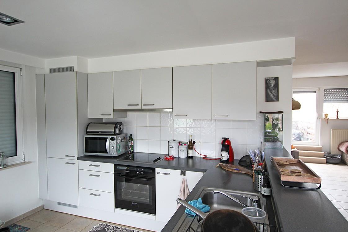 Ruim duplexappartement (111m²) met 3 slaapkamers op uitstekende locatie nabij het centrum van Ranst! afbeelding 4