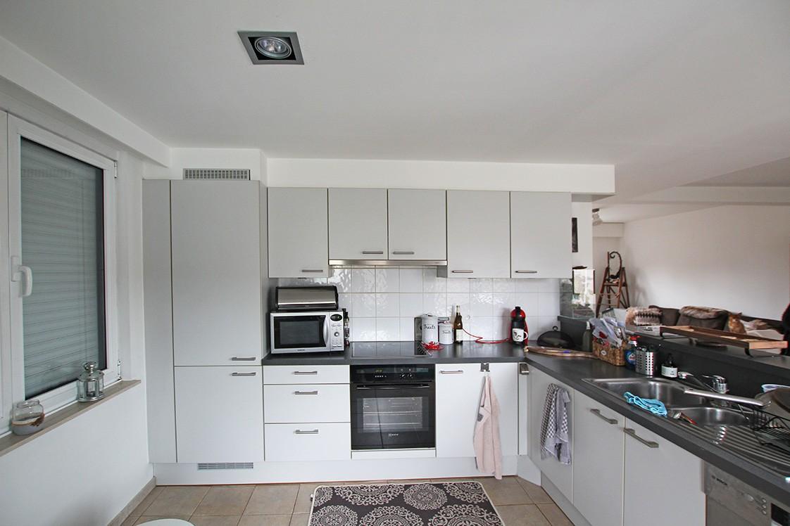 Ruim duplexappartement (111m²) met 3 slaapkamers op uitstekende locatie nabij het centrum van Ranst! afbeelding 5