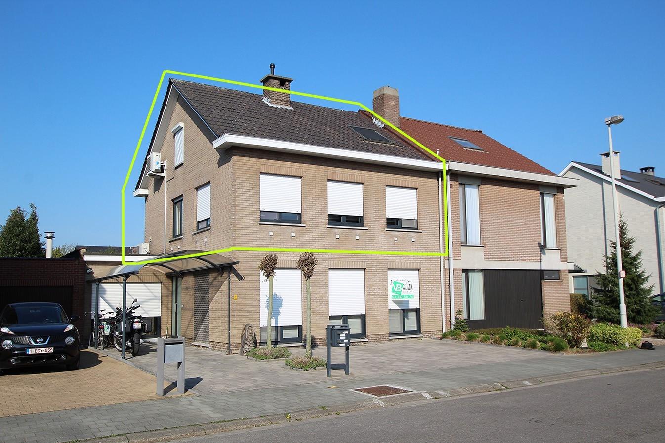 Ruim duplexappartement (111m²) met 3 slaapkamers op uitstekende locatie nabij het centrum van Ranst! afbeelding 11