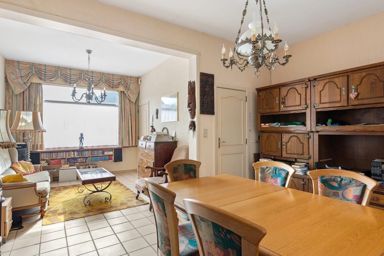 Te renoveren woning met 3 slaapkamers en leuke tuin op een rustige locatie in Duffel! afbeelding 3