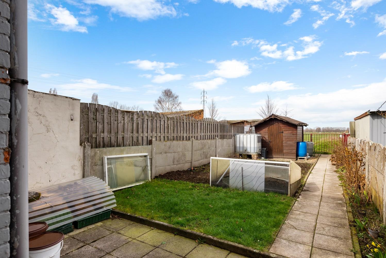 Te renoveren woning met 3 slaapkamers en leuke tuin op een rustige locatie in Duffel! afbeelding 2