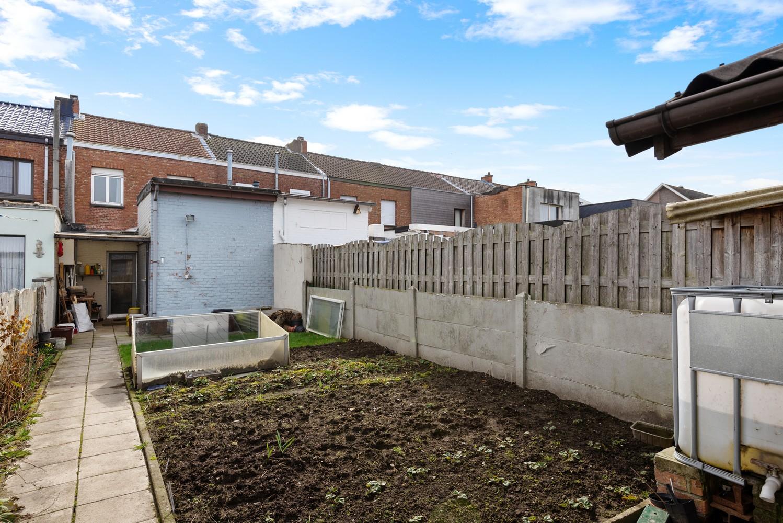 Te renoveren woning met 3 slaapkamers en leuke tuin op een rustige locatie in Duffel! afbeelding 11