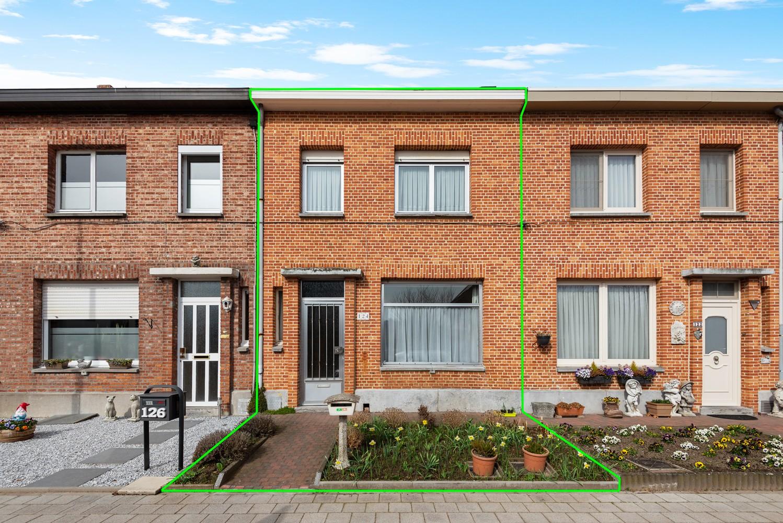 Te renoveren woning met 3 slaapkamers en leuke tuin op een rustige locatie in Duffel! afbeelding 1