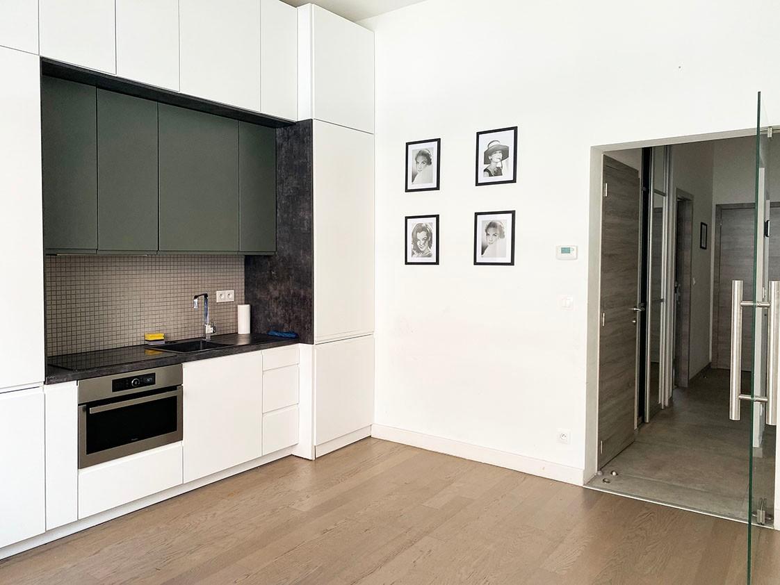 Modern gelijkvloers appartement met 2 slaapkamers & koertje in het bruisende Antwerpen! afbeelding 1