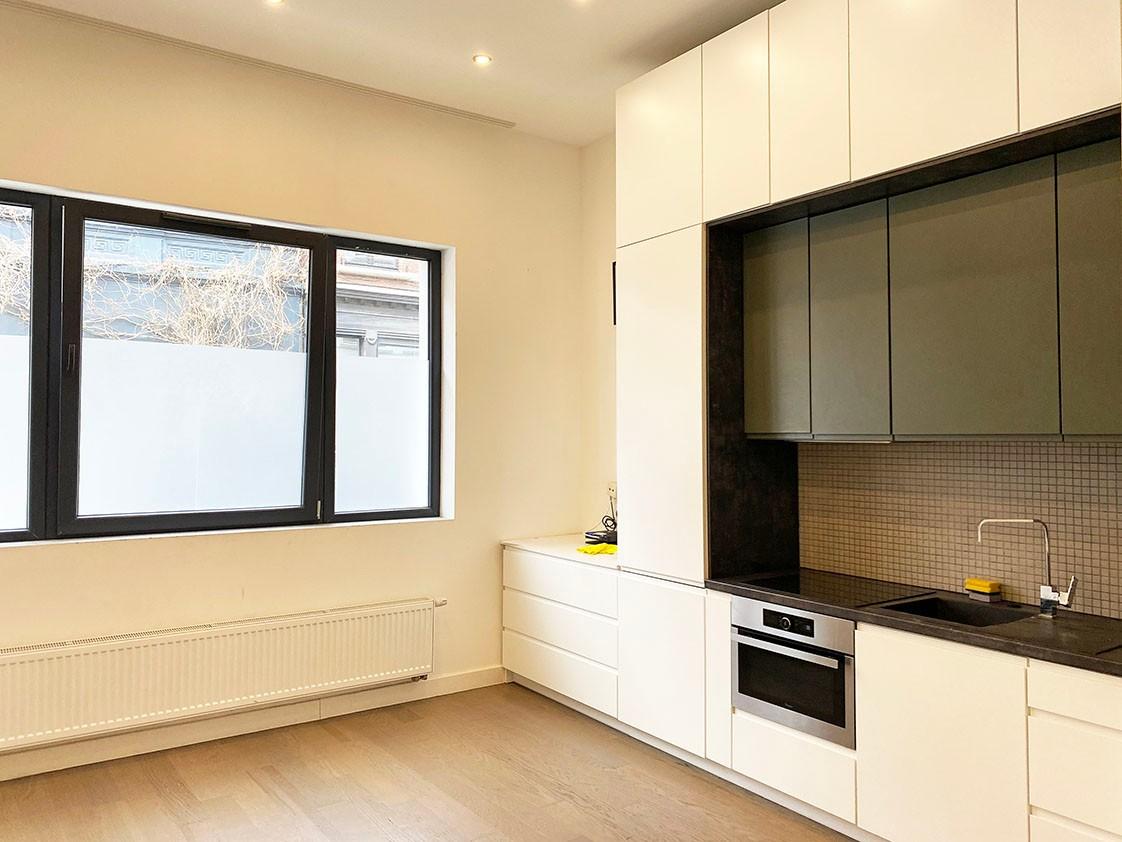 Modern gelijkvloers appartement met 2 slaapkamers & koertje in het bruisende Antwerpen! afbeelding 3
