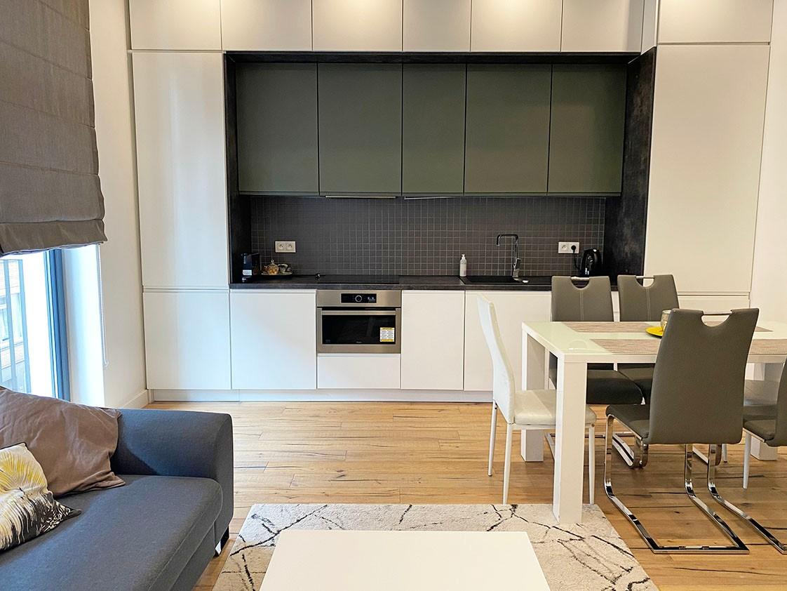 Volledig bemeubeld appartement met 2 slaapkamers & terras in het bruisende Antwerpen! afbeelding 1