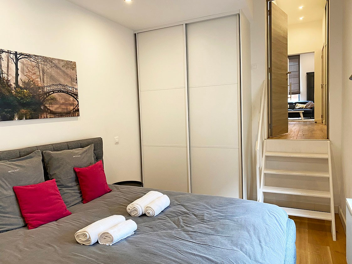 Volledig bemeubeld appartement met 2 slaapkamers & terras in het bruisende Antwerpen! afbeelding 7