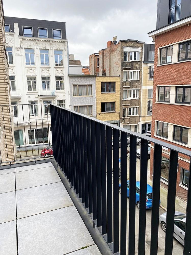 Volledig bemeubeld appartement met 2 slaapkamers & terras in het bruisende Antwerpen! afbeelding 10