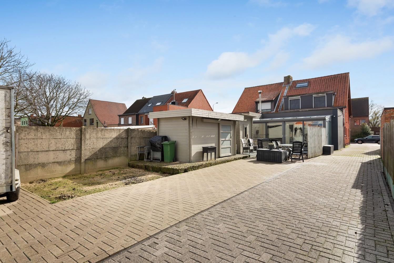 Verrassend ruime woning met groot werkhuis, jacuzzi, sauna, zonnepanelen en 3 slaapkamers in Wommelgem! afbeelding 22