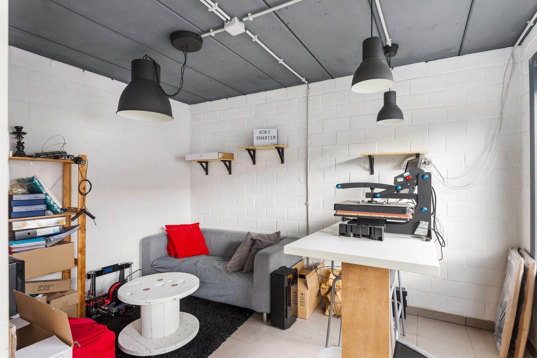 Verrassend ruime woning met groot werkhuis, jacuzzi, sauna, zonnepanelen en 3 slaapkamers in Wommelgem! afbeelding 20