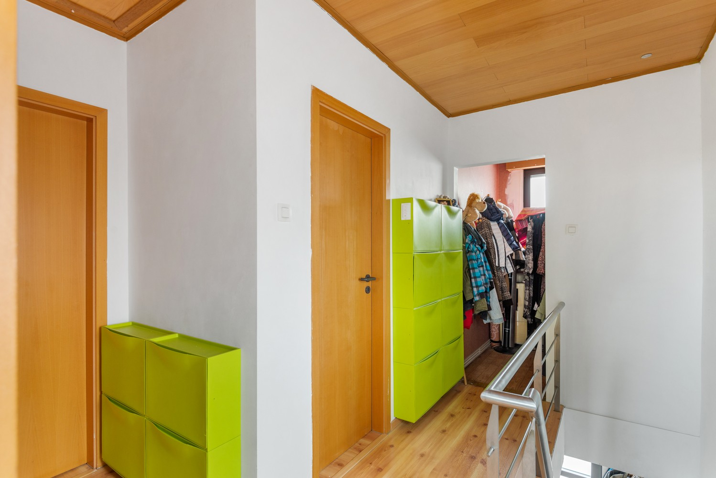 Verrassend ruime woning met groot werkhuis, jacuzzi, sauna, zonnepanelen en 3 slaapkamers in Wommelgem! afbeelding 12