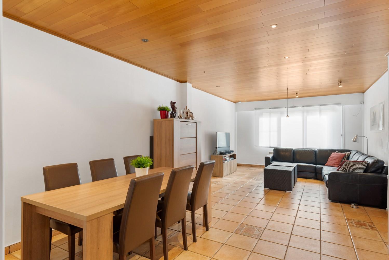 Verrassend ruime woning met groot werkhuis, jacuzzi, sauna, zonnepanelen en 3 slaapkamers in Wommelgem! afbeelding 8