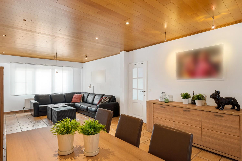 Verrassend ruime woning met groot werkhuis, jacuzzi, sauna, zonnepanelen en 3 slaapkamers in Wommelgem! afbeelding 7