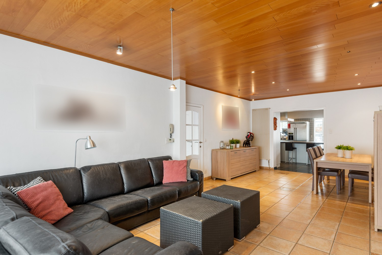 Verrassend ruime woning met groot werkhuis, jacuzzi, sauna, zonnepanelen en 3 slaapkamers in Wommelgem! afbeelding 9