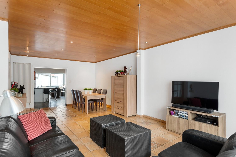 Verrassend ruime woning met groot werkhuis, jacuzzi, sauna, zonnepanelen en 3 slaapkamers in Wommelgem! afbeelding 10