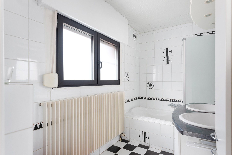 Verrassend ruime woning met groot werkhuis, jacuzzi, sauna, zonnepanelen en 3 slaapkamers in Wommelgem! afbeelding 11