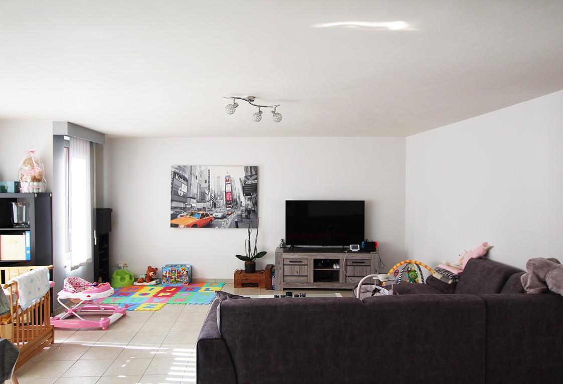 Ruim, gezellig appartement met 2 slaapkamers, lift en carport in hartje Broechem! afbeelding 2