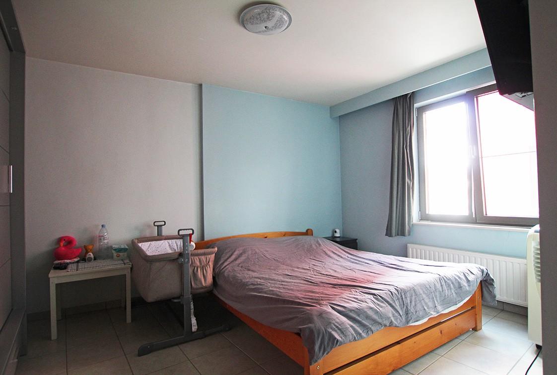 Ruim, gezellig appartement met 2 slaapkamers, lift en carport in hartje Broechem! afbeelding 5