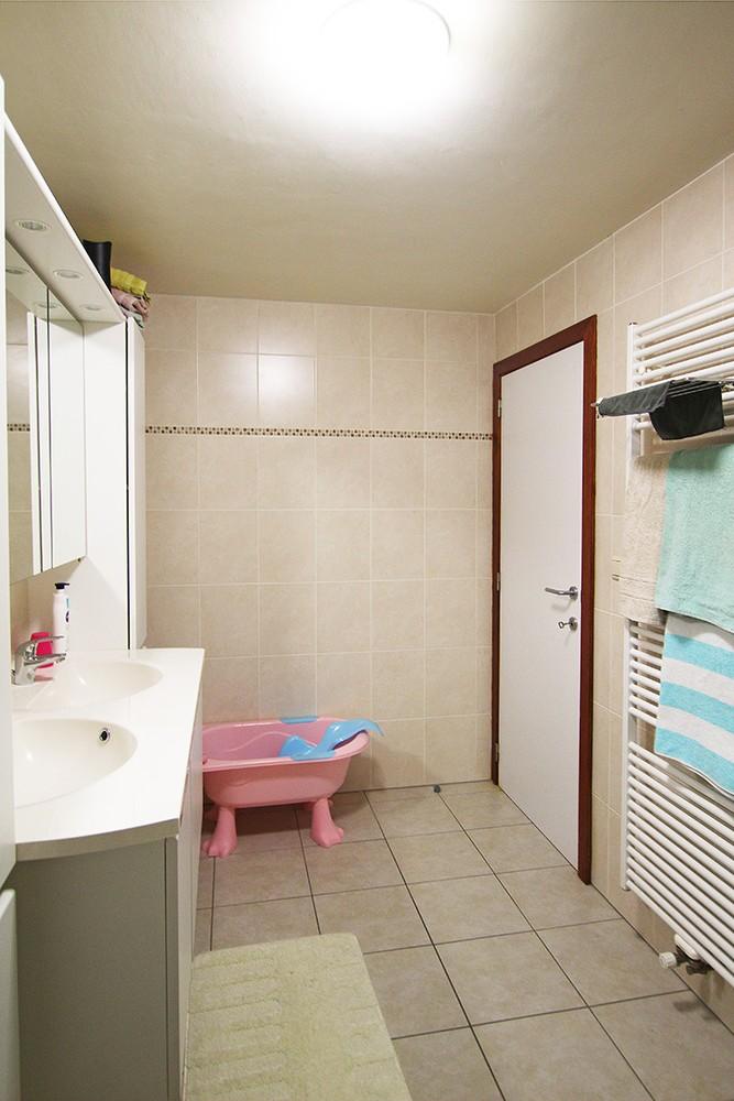 Ruim, gezellig appartement met 2 slaapkamers, lift en carport in hartje Broechem! afbeelding 7
