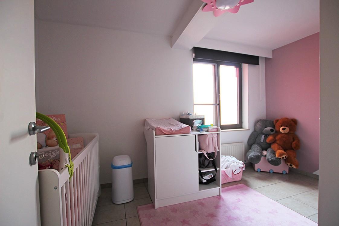 Ruim, gezellig appartement met 2 slaapkamers, lift en carport in hartje Broechem! afbeelding 8
