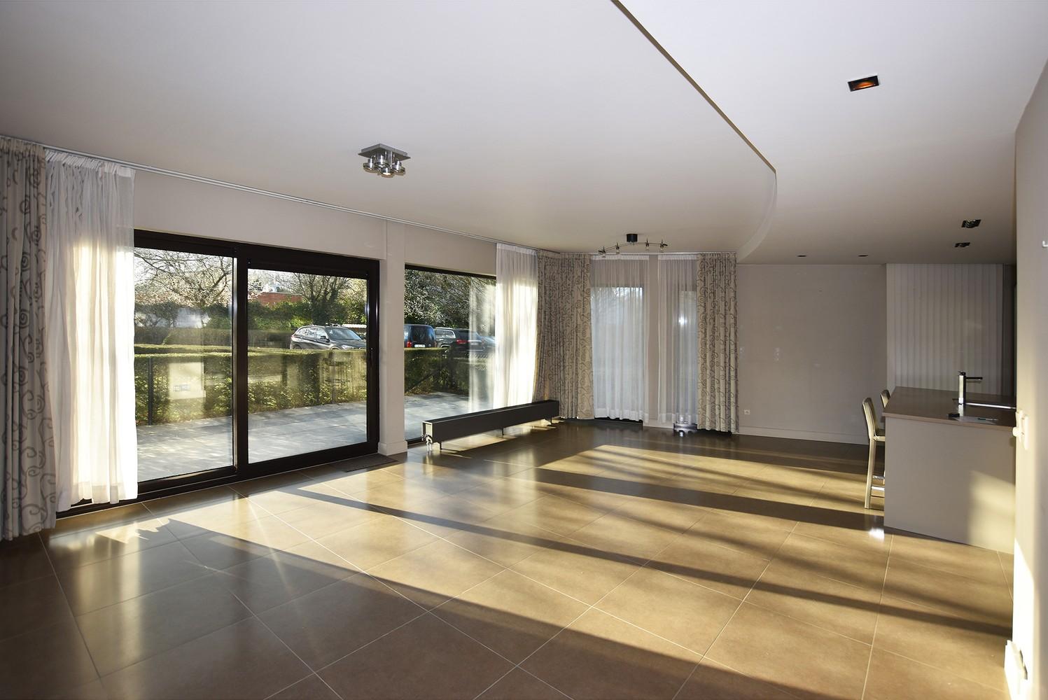 Recent gelijkvloers appartement met twee slaapkamers en een groot terras te Wijnegem! afbeelding 2