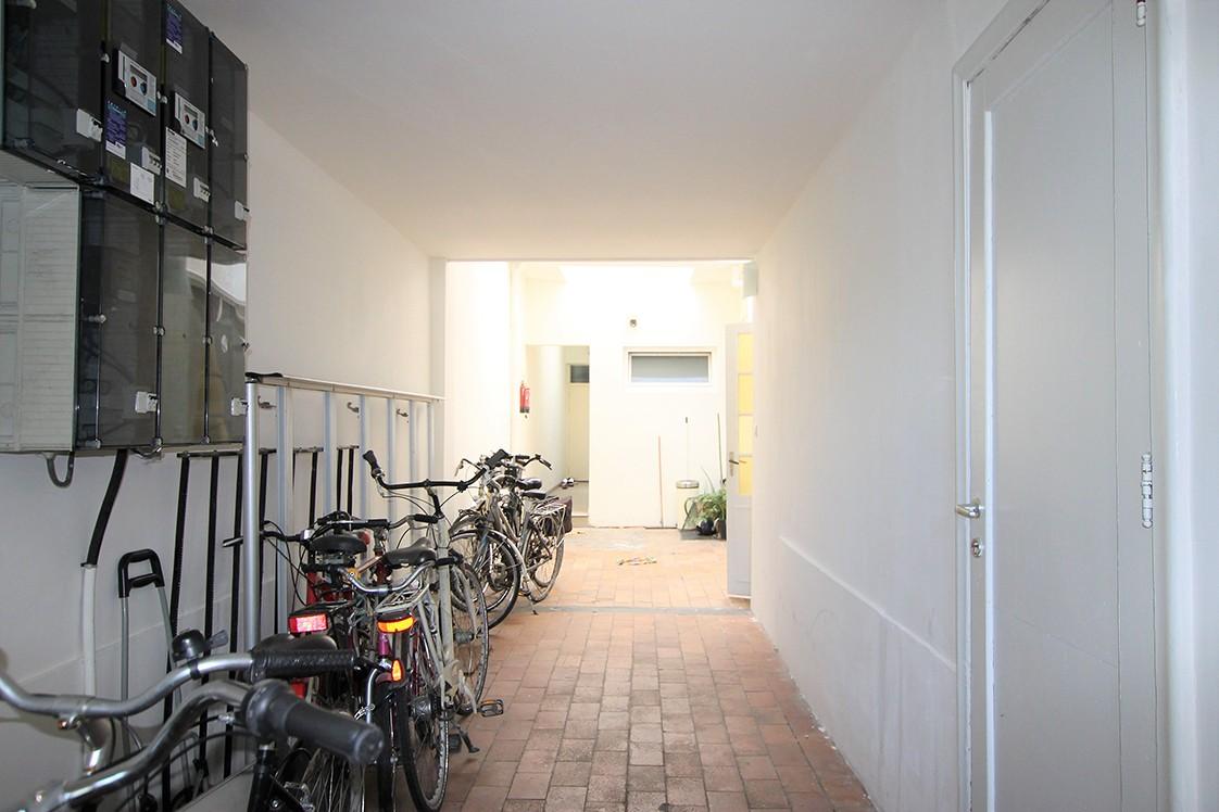 Te renoveren handelshuis met winkelpand en twee appartementen in een levendige buurt te Antwerpen! afbeelding 4