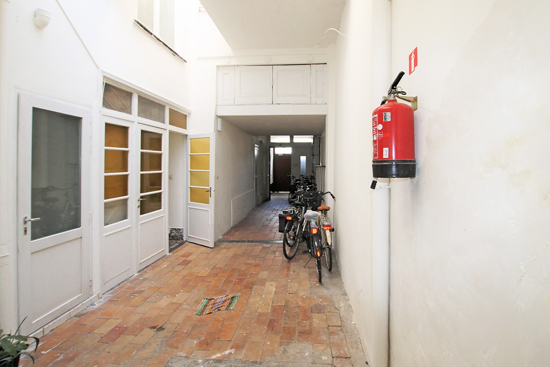 Te renoveren handelshuis met winkelpand en twee appartementen in een levendige buurt te Antwerpen! afbeelding 5
