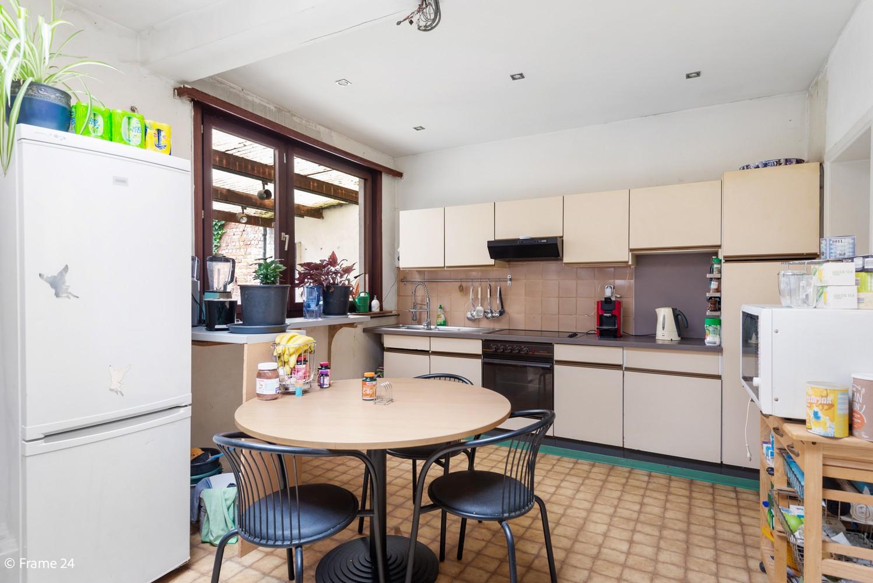 Op te frissen woning met veel potentieel, 3 slaapkamers en grote tuin in Ekeren! afbeelding 7